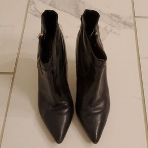 Nine West Black Leather Booties Size 6 1/2